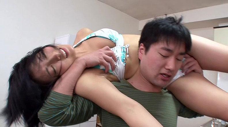 【企画エロ動画】「お、お兄ちゃん…入ってるぅ。。。」妹とふざけてプロレスをやった結果w 01