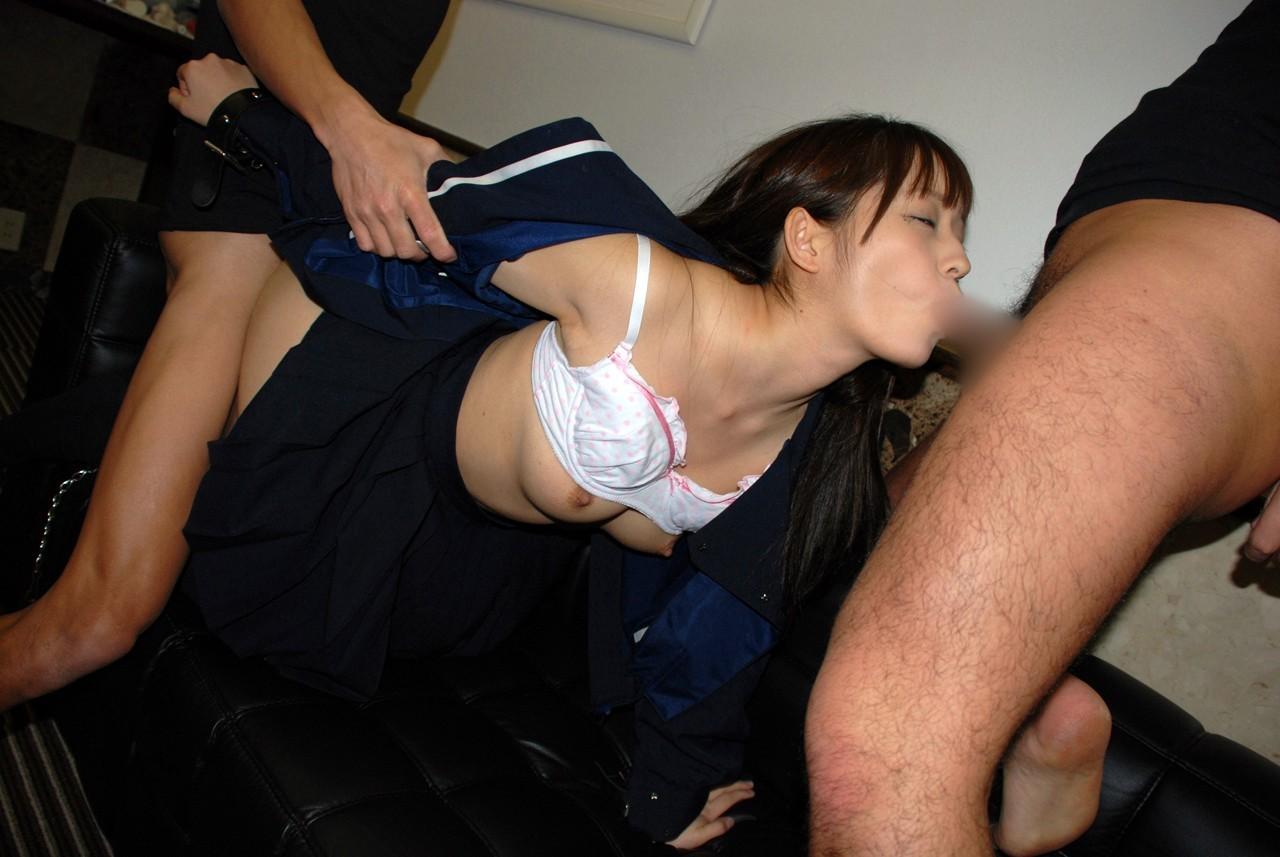 【乱交エロ画像】複数プレイが好みなスケベ女の強欲すぎる上下串刺し状態www 18