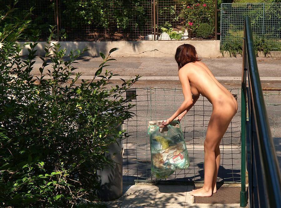 """日本にも居た!! 全裸で生活を送る""""女性裸族""""の存在wwwwwwww(画像あり) 02"""