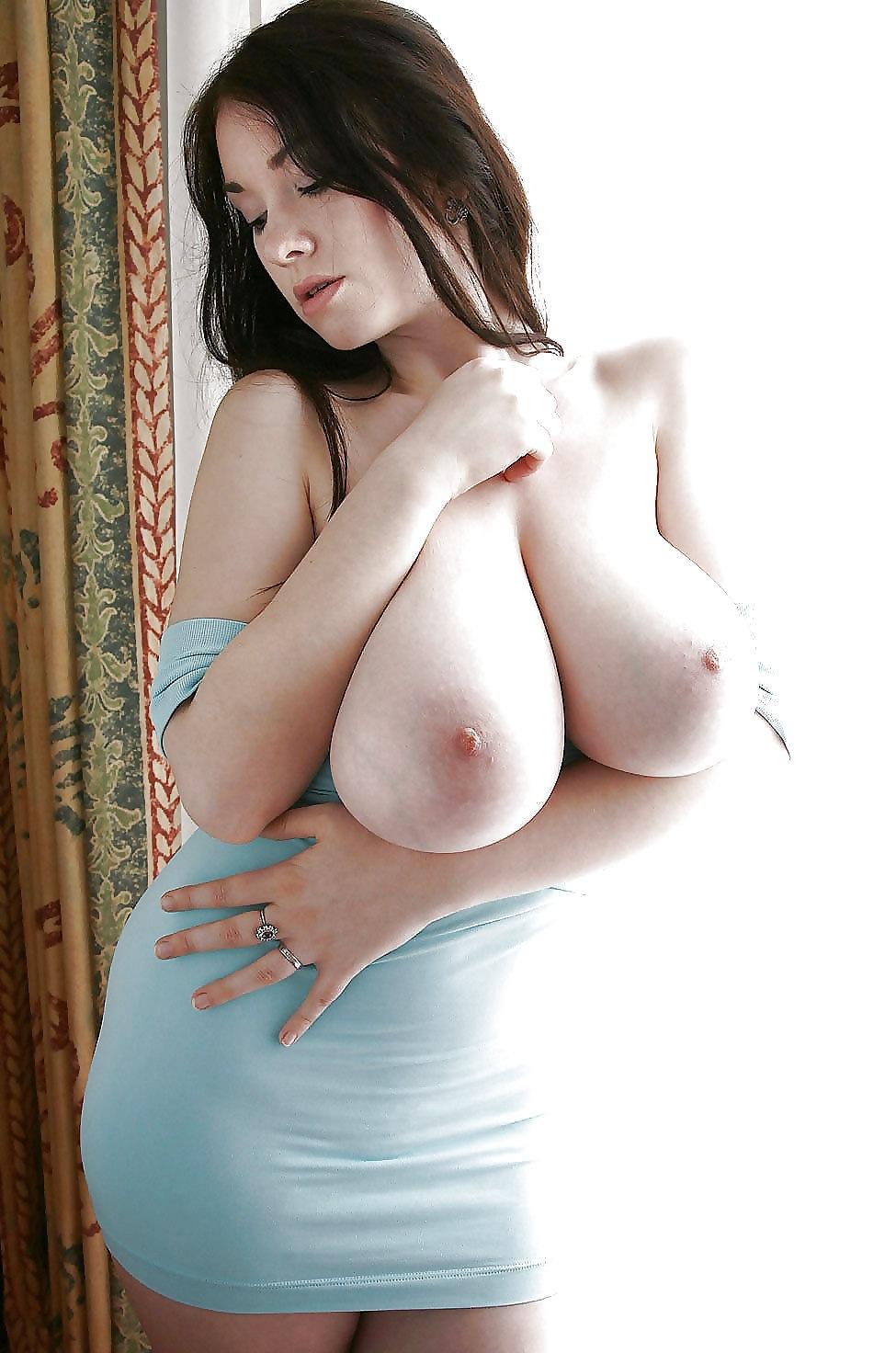 【海外エロ画像】巨乳で細くて肌も綺麗って…反則すぎるだろ外人のお姉さんwww 13