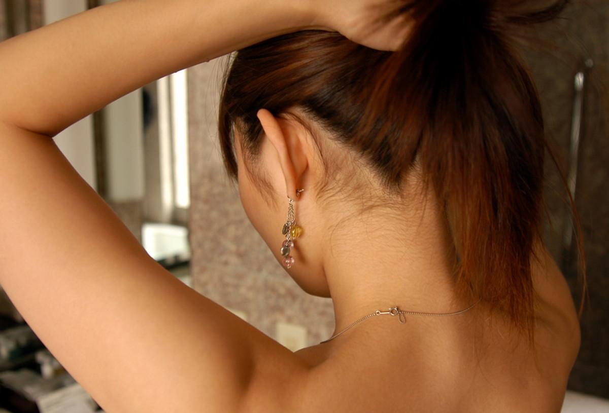 【フェチ系微エロ画像】ただの首筋のはずが…理由は不明でも兎に角イヤらしく見える女のうなじwww 02
