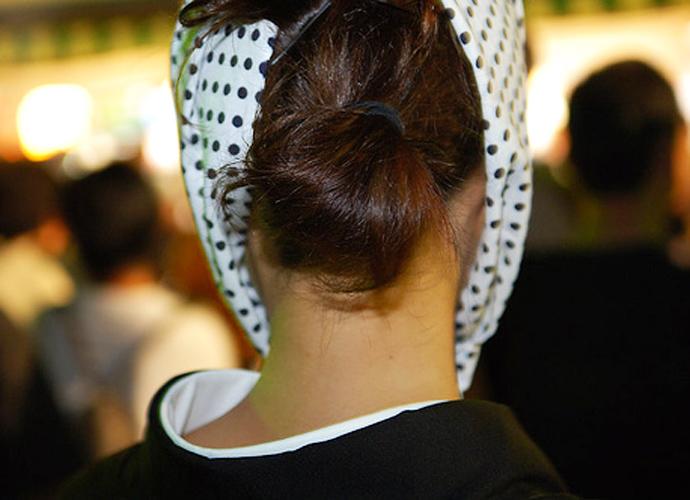 【フェチ系微エロ画像】ただの首筋のはずが…理由は不明でも兎に角イヤらしく見える女のうなじwww 08