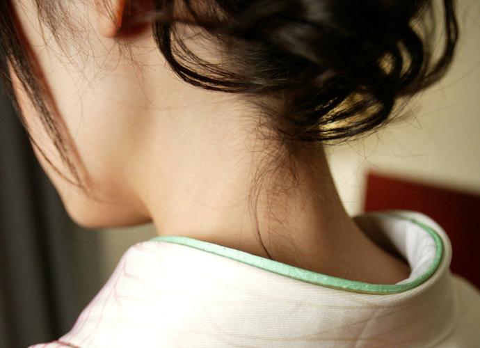 【フェチ系微エロ画像】ただの首筋のはずが…理由は不明でも兎に角イヤらしく見える女のうなじwww 10