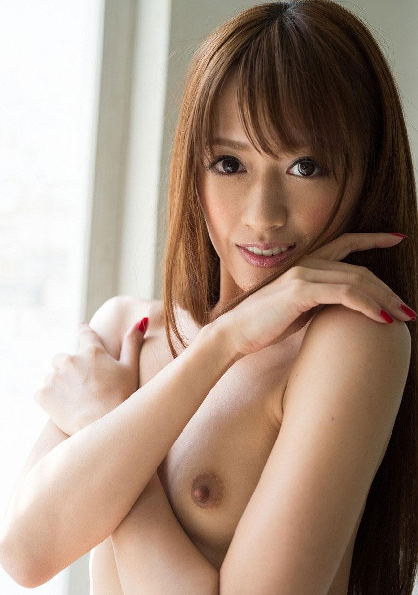 乳首勃起が可愛いAV女優・希島あいりの新ヌード 01