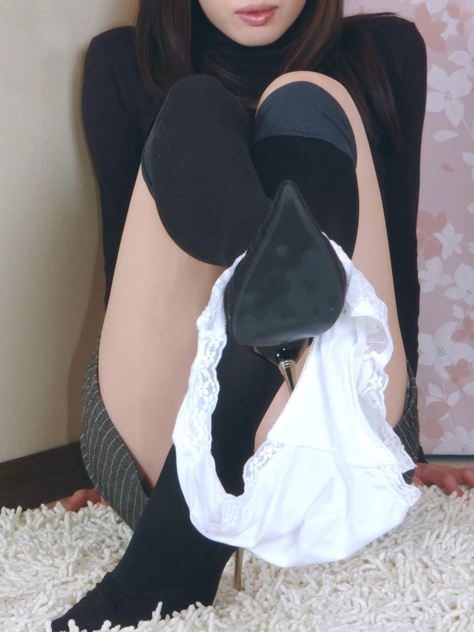 【画像】今すぐパンツ脱いで見せて→素直に応じた女50人がこちらwwww 03