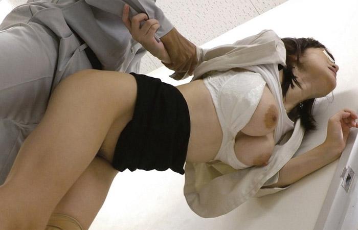 【盗撮】彼氏に振られてヤケ酒でベロベロになってるところを連れ込まれハメられた巨乳JD 02