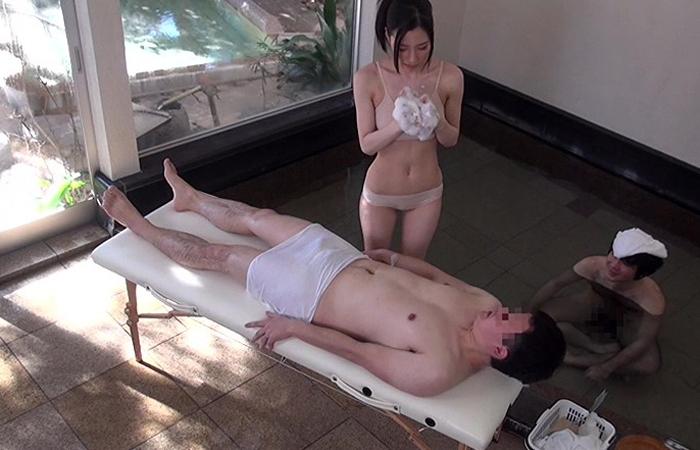 【一般男女モニタリングAV】お世話になってる上司に巨乳OLが男湯で洗体してあげた結果… 01