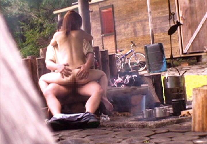 【※盗撮注意※】割と堂々と野外セックスするカップルの鋼のメンタルは理解し難いよな。(画像あり) 04