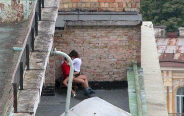 【※マジキチ※】「お!公園の噴水でセクロスしてるヤツおるやんけ!撮ったろ」 → 写真がコチラwwwwwwwwwwwww(画像あり) 05